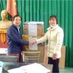 500 hộp khẩu trang được trao tặng cho huyện Bình Xuyên, Vĩnh Phúc.