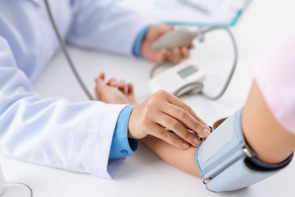Cao huyết áp uống thuốc gì?