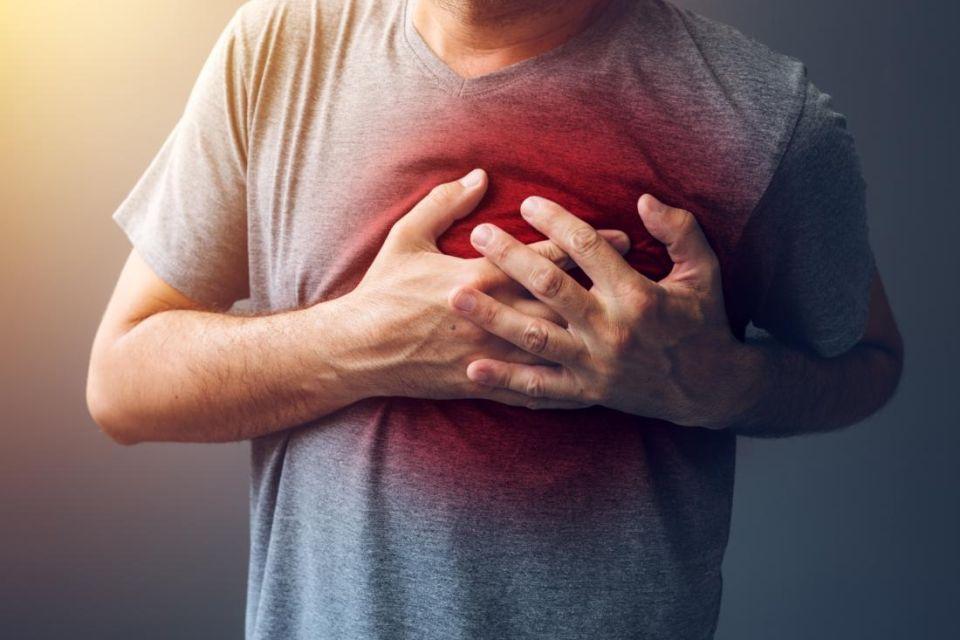 Đau thắt ngực là biểu hiện phổ biến nhất của bệnh lý mạch vành